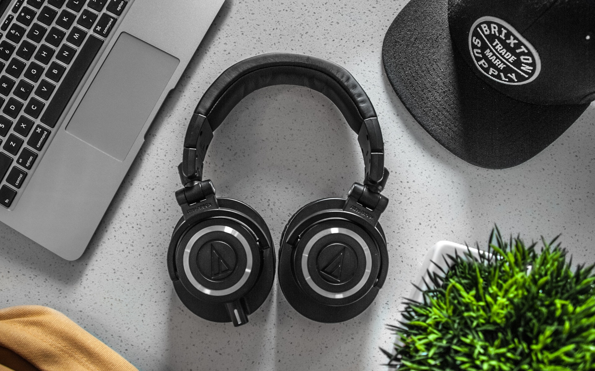 What are open back headphones?